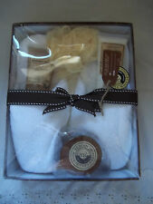 Tuscan Hills Bath & Slipper Collection Gift Set