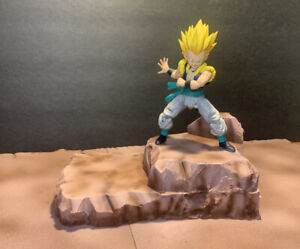 Dragonball Z: Earth Rock 2 Tier - For Sh Figuarts