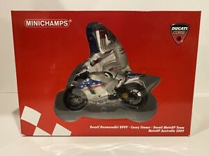 Minichamps 1/12 Casey Stoner 2009 Ducati Bike And Figure Set AUS GP