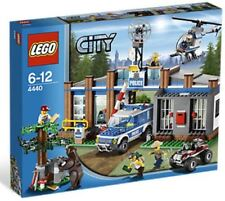 Lego City Police Forest Police Station #4440 Brand New