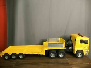 Bruder MAN TGA Yellow Low Loader Semi Trailer Truck Made In Germany