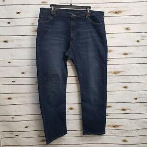Wrangler Mens Blue Jeans Dark Wash 42x32 Pockets Stretch Relaxed Straight Leg