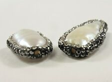 15-17 x 26-35 mm Large Hole Natural White Stick Pearl w/Clear & Hematite (#606)