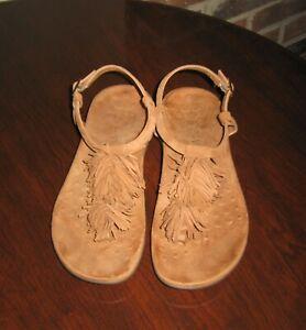 VIONIC Sosha Womens Thong Sandals Size 7 M Caramel Brown Fringe Suede EU 38Tan