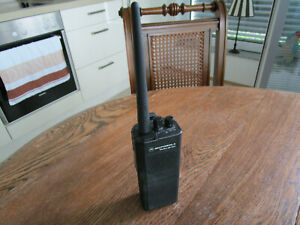 Motorola GP300 Handfunkgerät VHF 8 Kanal Betriebsfunk mit Akku + neuer Antenne