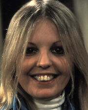 Sally Thomsett UNSIGNED photo - H6256 - Man About the House