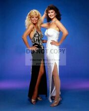 """LONI ANDERSON & LYNDA CARTER """"PARTNERS IN CRIME"""" - 8X10 PUBLICITY PHOTO (OP-660)"""