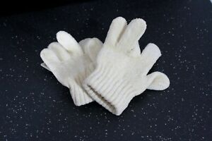 C & A GIRLS WARM KNIT SOFT OFF WHITE WINTER GLOVES ONE SIZE NEW WITH TAGS