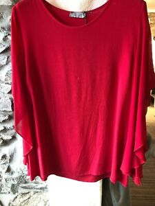 Red waterfall sleeve top size m