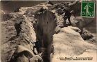 CPA Chamonix-Ascension perilleuse -Passage d'une Crevasse au Mont-Blanc(352547)