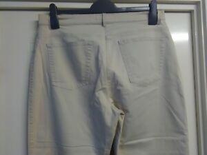 Womans BRAX City Sport, Beige, 3/4 Pants, Stretch Waist, Size 10