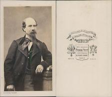 Pierre Petit, Paris, Homme en gilet à carreaux et grand noeud papillon, circa 18