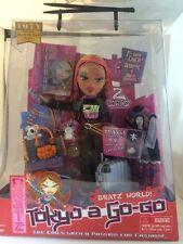 BRATZ WORLD TOKYO A GO GO Fianna  DOLL W/ EXTRA OUTFIT 2004 NEW Rare Anime