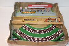 NICE VINTAGE GEM JOUETS (toys) TIN WIND UP AUTORAIL CIRCUIT with ORIGINAL BOX