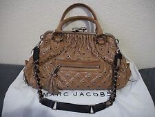LIMITED EDITION MARC JACOBS STAM 2 WAY BAG BEIGE PATENT LEATHER SILVER EYELET