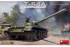 Miniart 37009 1:35th escala T-54A tanque soviético con Interior