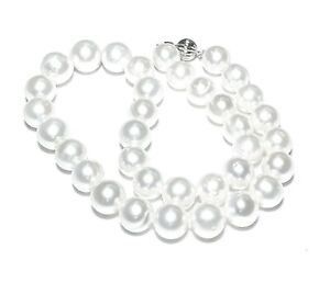 "Stunning Mirror Luster Edison White Round 9 - 11mm Cultured Pearl 18"" Necklace"