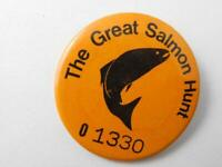 THE GREAT SALMON HUNT NUMBERED VINTAGE HAT VEST BUTTON PIN FISHING FISH