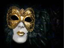 PHOTO VENETIAN CARNIVAL MASK ORNATE GOLD LIPS BLACK FEATHERS POSTER BMP10911