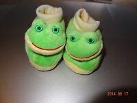 Girl FROG CROWN TIARA GLITTER LIME GREEN plush slippers NWT 13 1 2 3