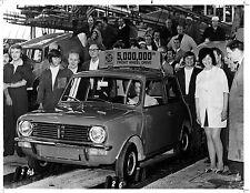 Austin Mini. 5 million. Vintage press photo, 1986. L057