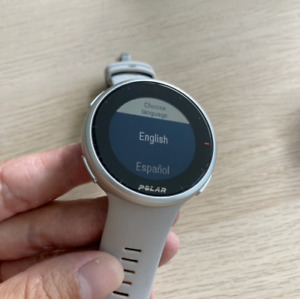 Polar Vantage V2 GPS Watch Silver Lime.