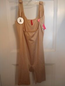 Spanx Simplicity Open Bust Suit size Small