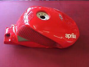 A10 Aprilia RSV Mille 1000 R Factory Tank Verkleidung Benzintank