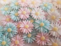 18 Edible Sugar Paste Daisies, Flower Cake Decorations  Cupcake Topper