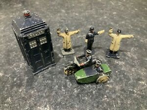 Dinky Toys Prewar No 42 Police Motorcycle Set