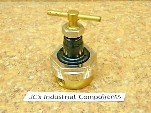 "Tescom  44-3010-24     vacuum  regulator  1/4"" npt"