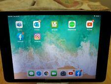 Apple iPad mini 2 16GB, Wi-Fi, 7.9in - Gray bundled with Zagg case and keyboard!