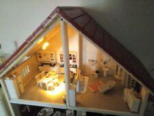 Puppenhaus -komplett eingerichtet