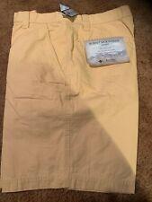 NEW Columbia Chino Shorts Men's Size 38/10 in Zip Pocket yellow Mountain Short