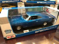 *EXCLUSIVE* Maisto 1:18 Scale Diecast Model Car - 1969 Dodge Charger R/T (Blue)