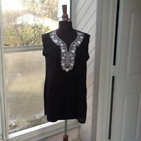 NEW- Woman's Size Small Black /Tunic Top w/white Trim