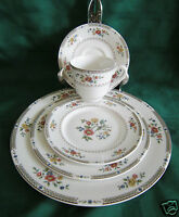 ROYAL DOULTON KINGSWOOD 5 pc Place Setting Dinner Salad Side Cup Saucer TC1115