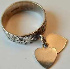 VINTAGE STERLING SILVER FORGET ME NOT BAND RING W DANGLING HEART CHARMS SZ 7.25
