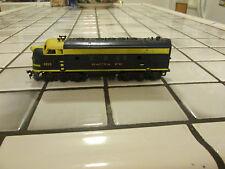 tyco/mantua santa fe powered engine Ho scale