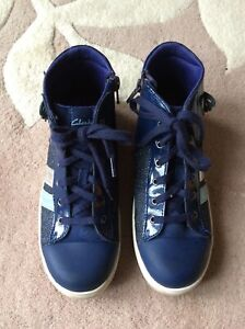 Clarks girls navy blue hi-Top trainer boots size 2.5F