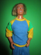 B347) ALTER BLONDER VINTAGE BARBIE KEN MATTEL INDONESIA IM ALTEN JOGGING-ANZUG