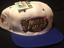 Vintage NWT 1996 NBA Finals Chicago Bulls Logo 7 rare snap back hat cap