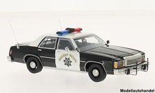 Ford LTD Crown Victoria schwarz/weiss California Highway Patrol 1987 1:43 BOS
