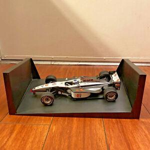 Minichamps 1/18 Hakkinen Mclaren Mercedes MP4/13 #8 MOBIL 1 World Champ1998 READ