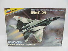 MES-45009Zvezda 7208 1:72 MIG-29 Bausatz geöffnet,augenscheinlich komplett,