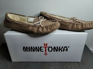 Minnetonka Women's Size 9 Moccasin Faux Fur Lined Loafers  / Shoes / Slides