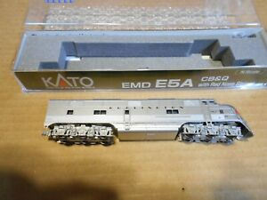 """Kato """"N"""" CB&Q E-5A with red nose stripes #9912A Item# 176-5404"""