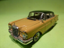 VITESSE 1:43 MERCEDES BENZ 220 SE -  IN VERY GOOD CONDITION