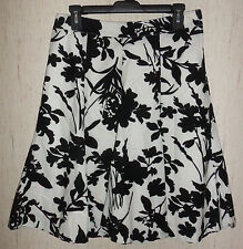 NEW WOMENS H&M LINED WHITE W/ BLACK FLORAL PRINT FULL SKIRT   SIZE 6