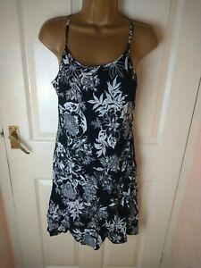 Riviera Size 16 Black Floral Print Short Dress
